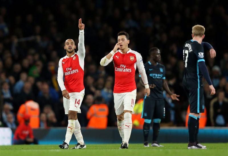 Arsenal wint topper tegen Manchester City