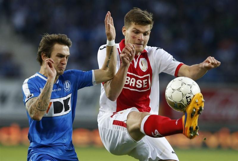Koploper Gent schorst speler na leus