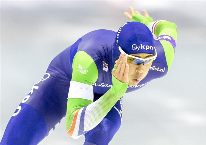 Verbij wint eerste 500 meter in Thialf