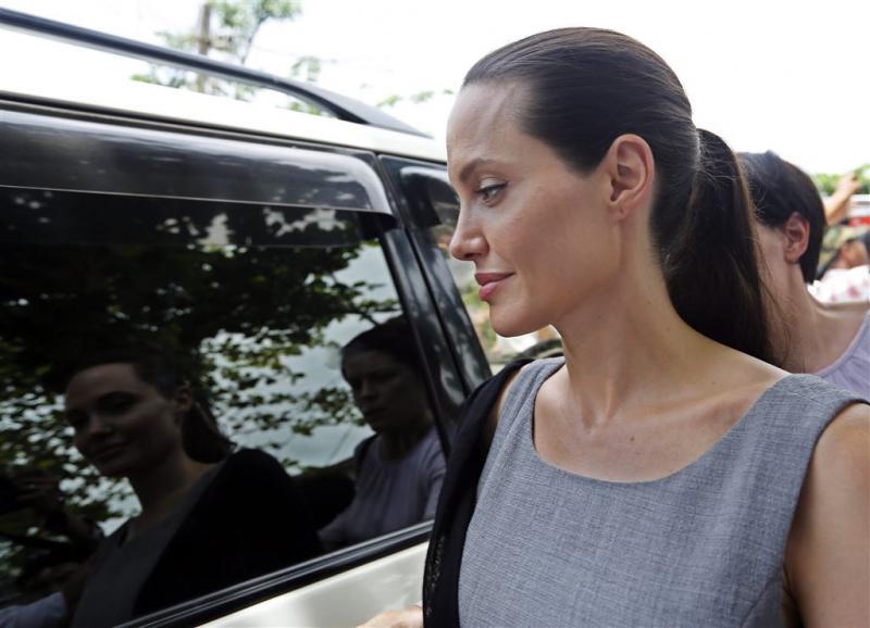 Overheid Cambodja ontkent adoptie Angelina
