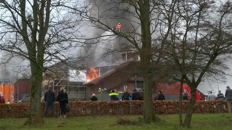 Uitslaande brand bij Van der Valk