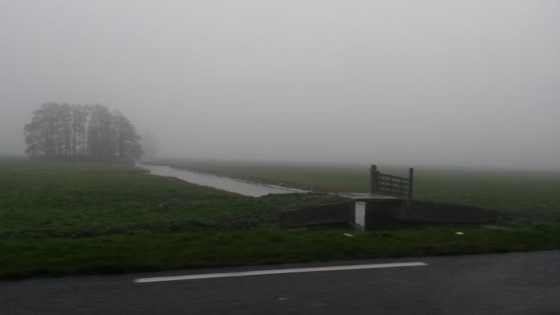 A4 verzwolgen door de mist (Foto: Nattekat)