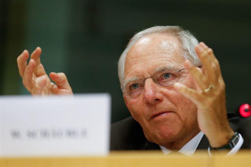 Schäuble: verzorg vluchteling dichtbij Syrië