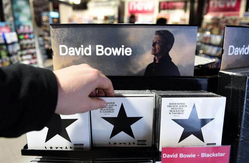David Bowie houdt Adele achter zich