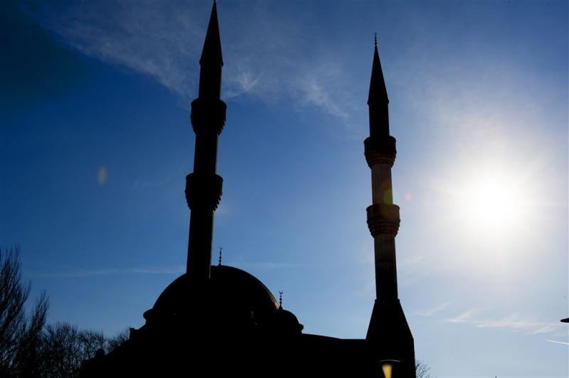 Bewoners rond moskee testen geluid