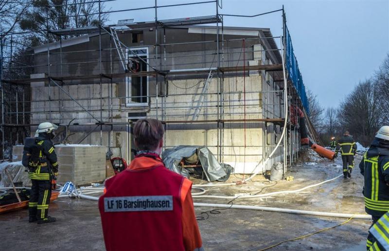 Bijna explosie in brandend Duits azc