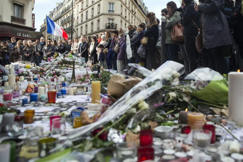 IS beweert daders Parijs te tonen in video