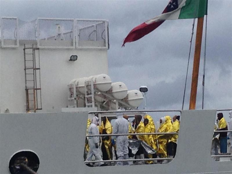 Italianen redden 1271 bootvluchtelingen
