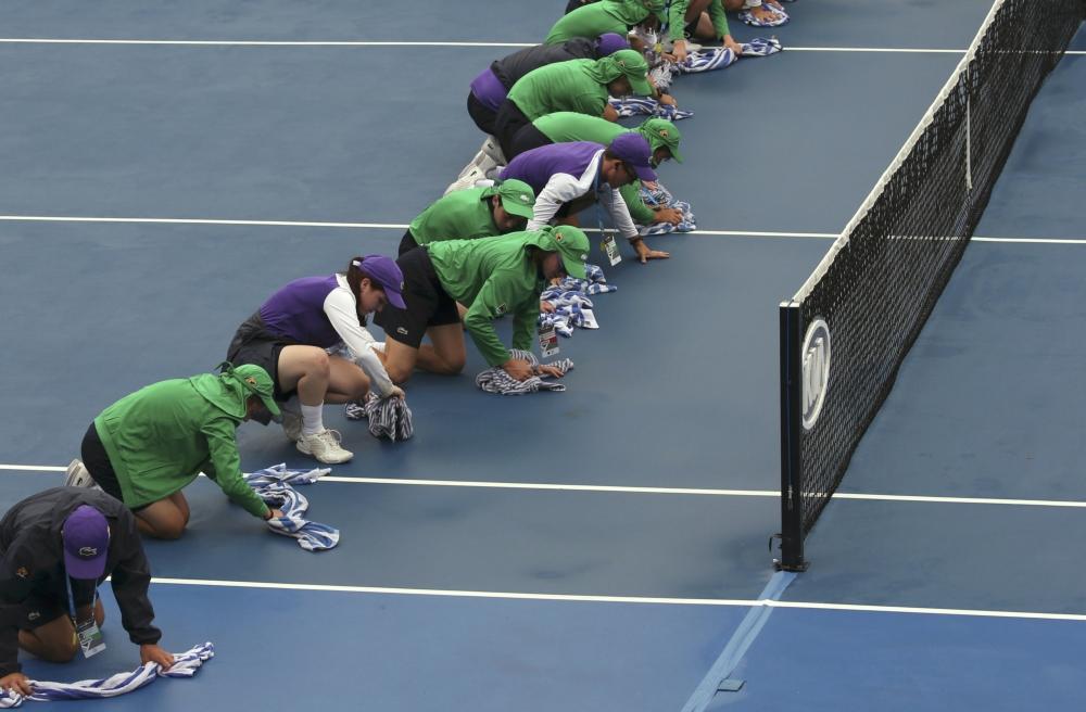 De baan wordt gepoetst op de Australian Open, wat is er gebeurd? (Pro Shots / Action Images)