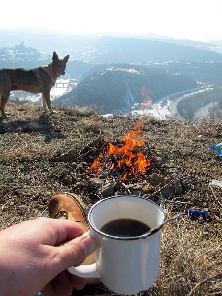 Koffie boven op de berg bij het altijd pittoreske Veliko Tarnovo (Foto: Dven)