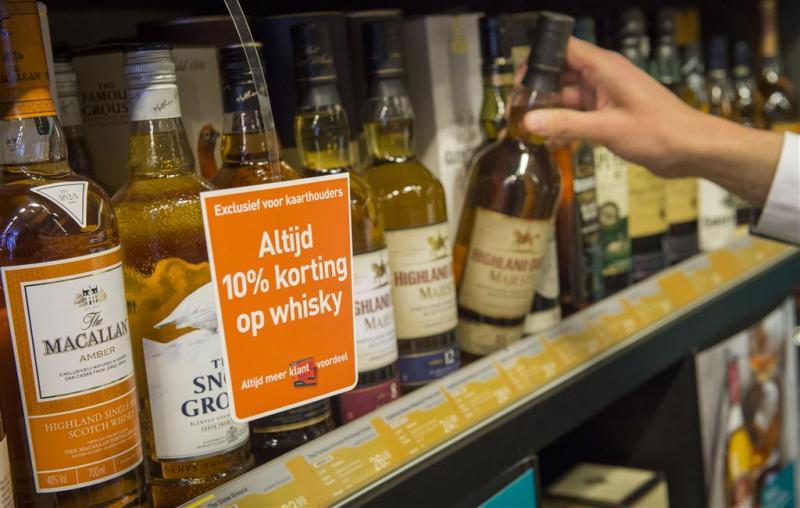 Jongeren kopen 2 miljoen keer per jaar drank