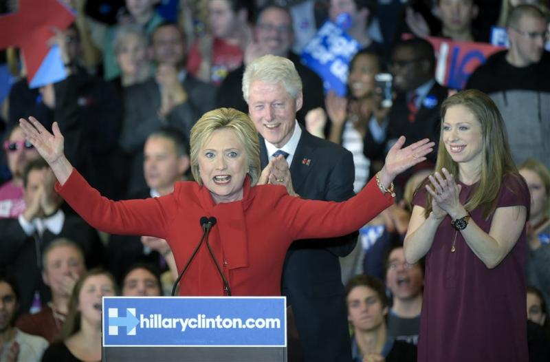 Clinton wint voorverkiezing Democraten Iowa