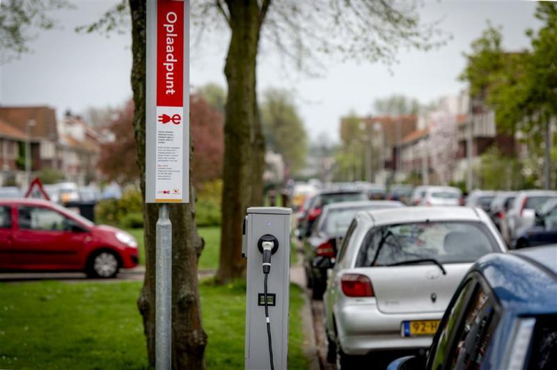 Verkoop elektrische auto's piekt in Nederland