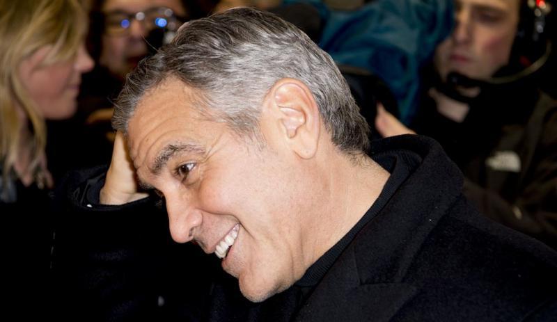 George Clooney en Rihanna geven zich bloot