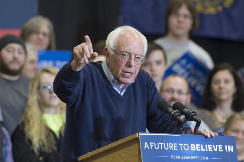 Sanders wil af van 'seksistische' aanhangers