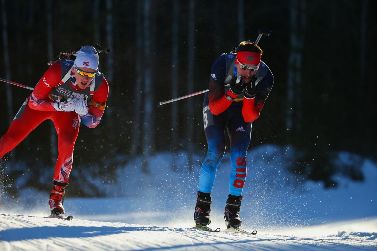 Bakken (links) en Tutmin (rechts) in duel tijdens de achtervolging in de bossen van Lillehammer (Foto: YIS/Al Tielemans)