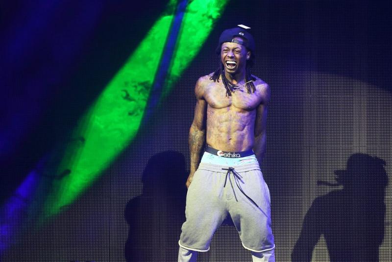 Lil Wayne geeft stripper 12.000 dollar fooi