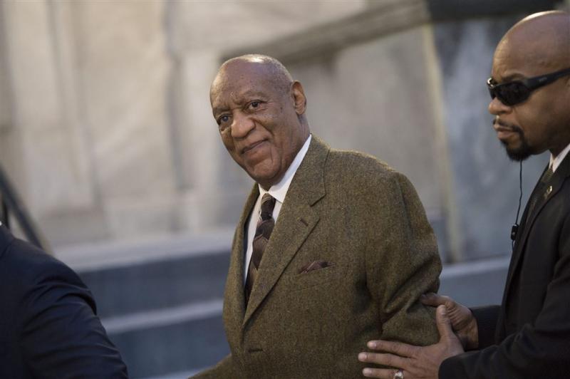 Vrouw Bill Cosby zeven uur lang ondervraagd