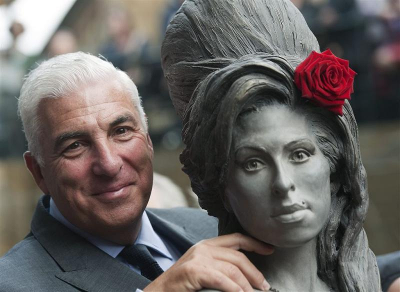 Vader Amy Winehouse wil Brit Award niet
