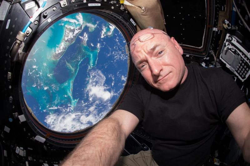'Gorilla' zweeft door ruimtelaboratorium ISS