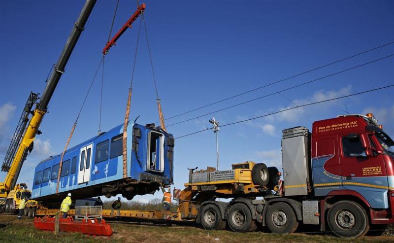 Ontspoorde trein bij Dalfsen geborgen