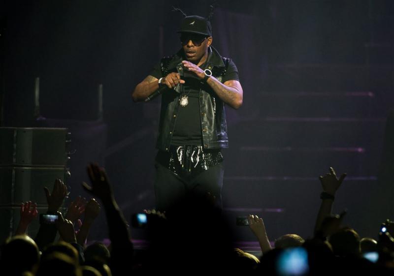 Rapper Coolio krijgt astma-aanval op podium