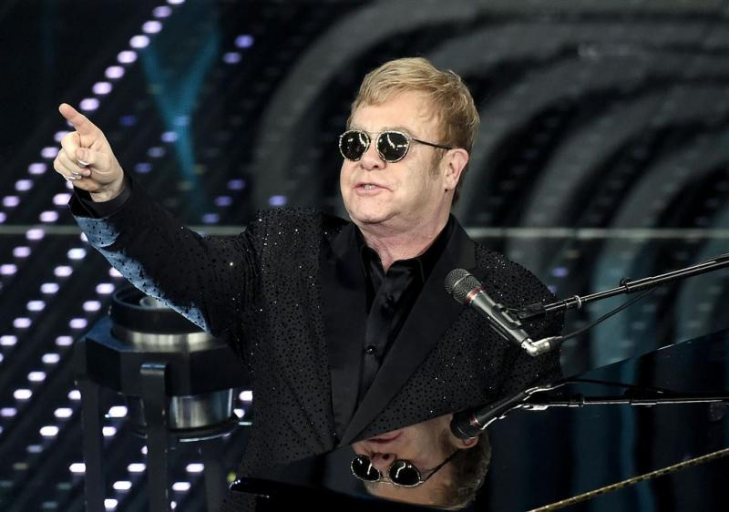 Elton John: Janet Jackson playbackt