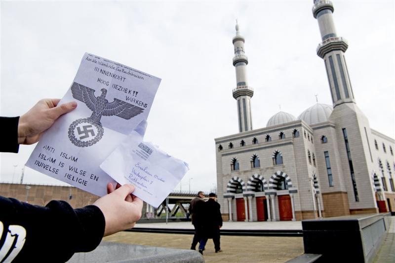 OM: brieven aan moskeeën zijn strafbaar
