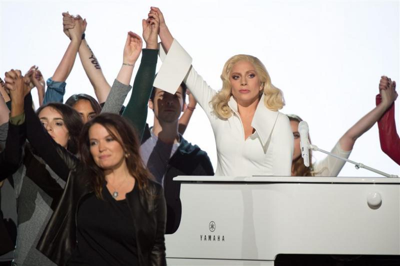Verkrachting Lady Gaga verrassing voor oma
