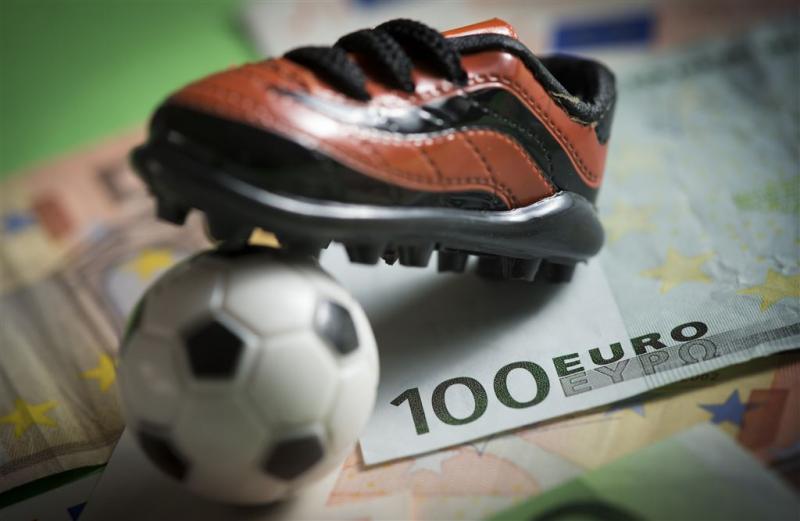 'Gemeenten staken 184 miljoen in voetbal'
