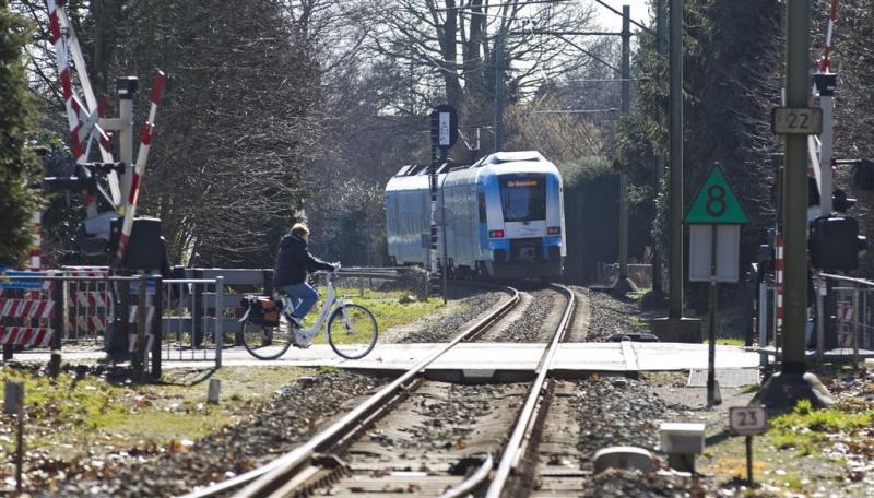 Geen treinen door gat naast spoor bij Ede