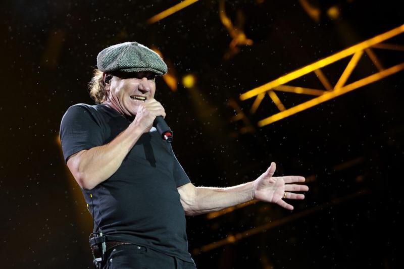 AC/DC staakt tour wegens doofheid zanger