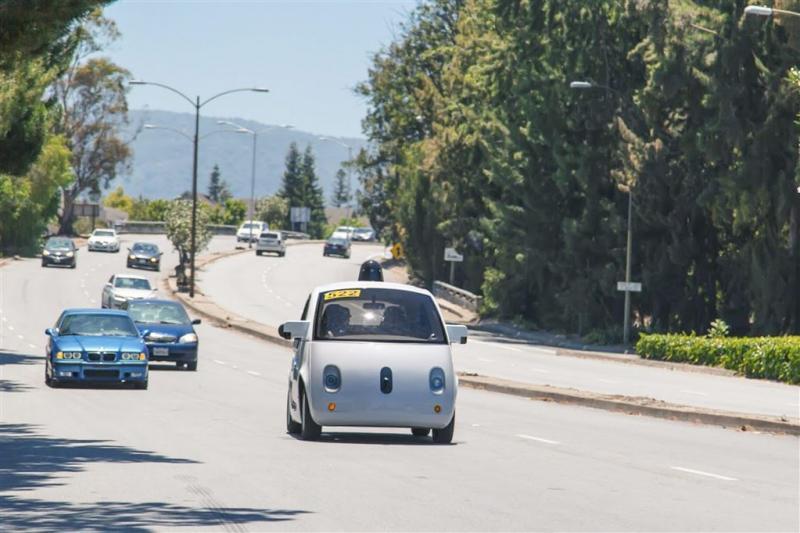 'Zelfrijdende auto's Google naar UK'
