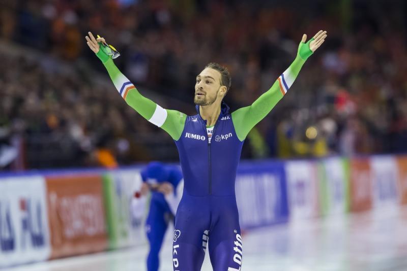 Kjeld Nuis wint de 1000 meter en pakt ook de wereldbeker. (PRO SHOTS/Erik Pasman)