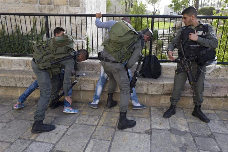 Twee Palestijnse messentrekkers doodgeschoten