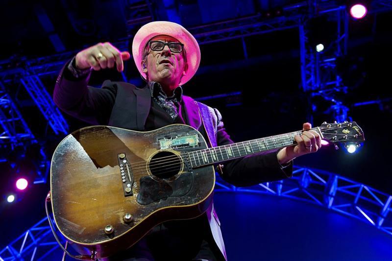 Elvis Costello naar Bospop