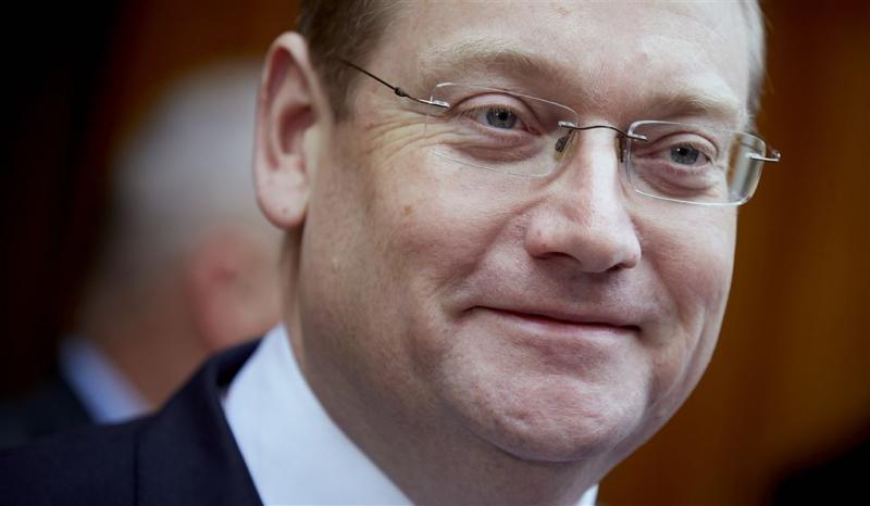 Van der Steur onderzoekt splitsing ministerie