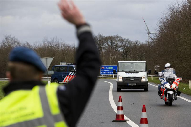 'Grenscontroles kosten Nederland miljarden'