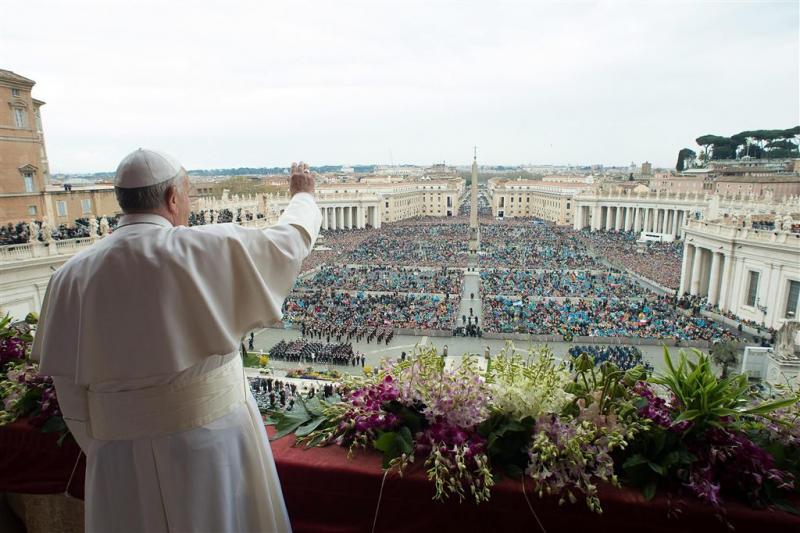 Weer Nederlandse bloemen op Vaticaanplein