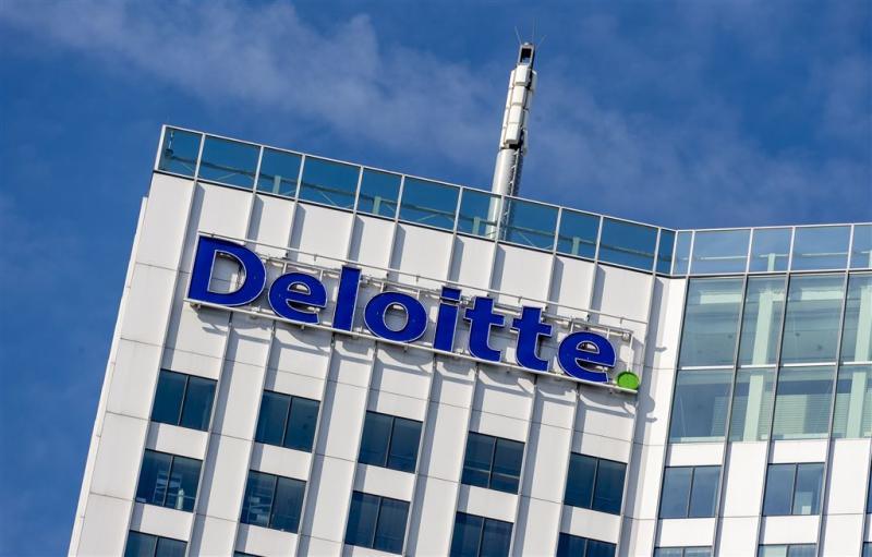 Forse boetes voor vier grote accountants