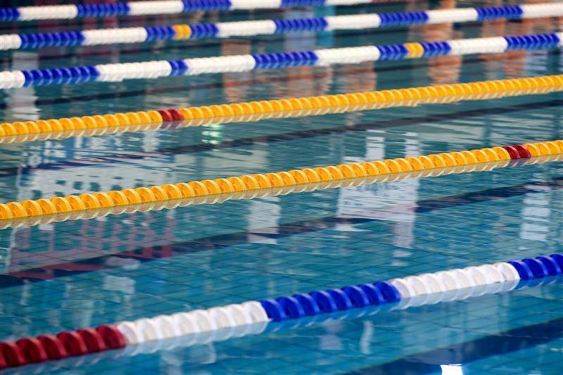 Haags zwembad dicht na onwel worden zwemsters