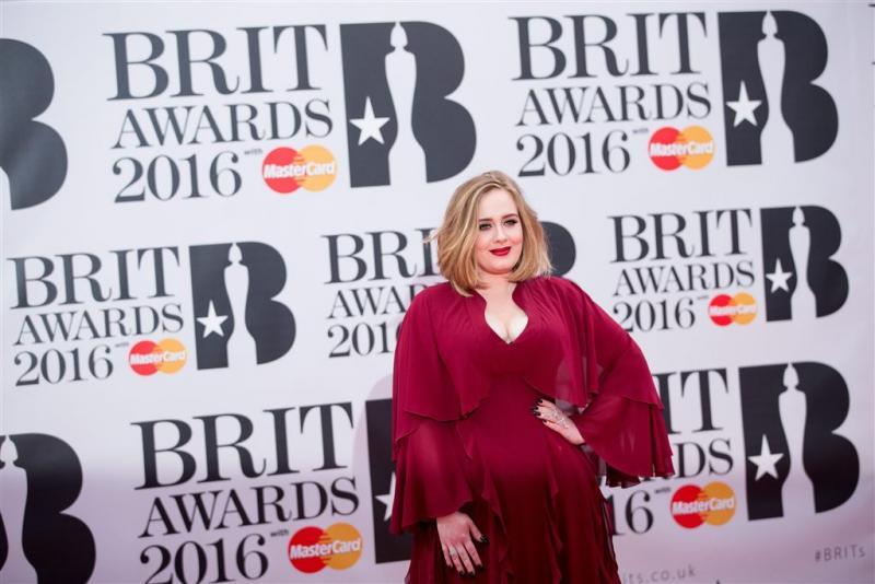 'Adele last pauze in na wereldtournee'