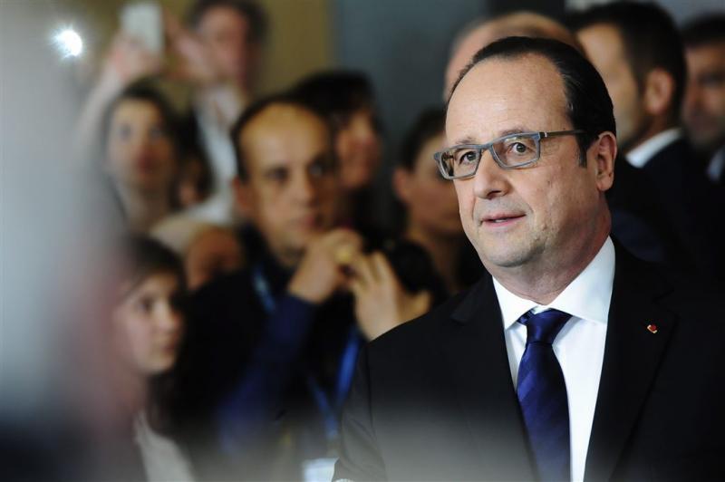 Hollande laat omstreden wetswijziging vallen