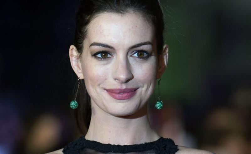 Anne Hathaway bevallen van zoontje