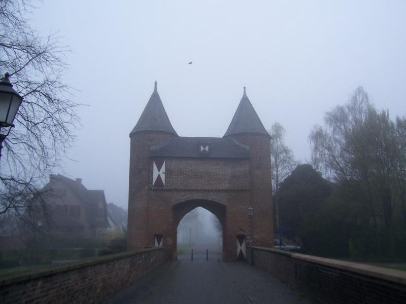 Xanten in de mist.. (Foto: qltel)