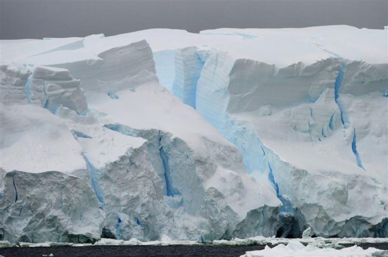 IJsbergen afgebroken bij Antarctica