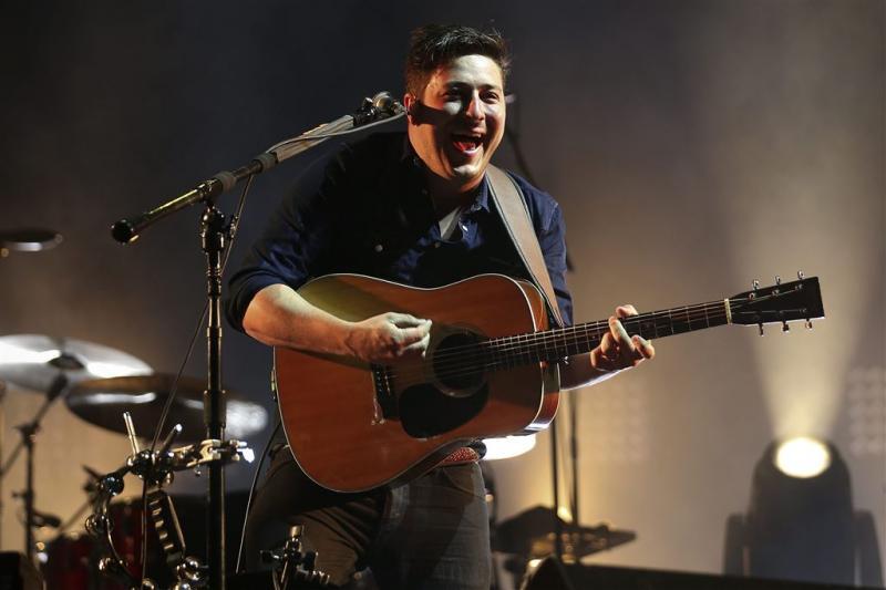 Mumford & Sons geeft geld concert aan LGBT's