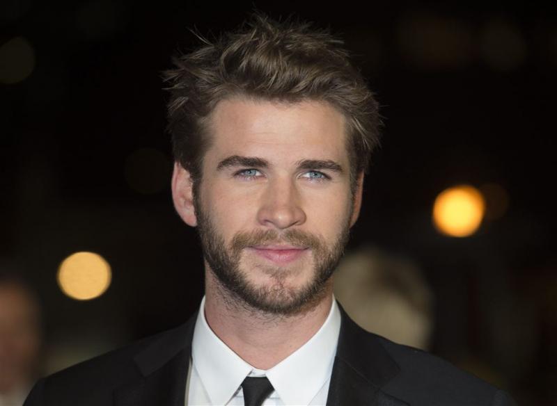 Liam Hemsworth ontkent verloving met Miley