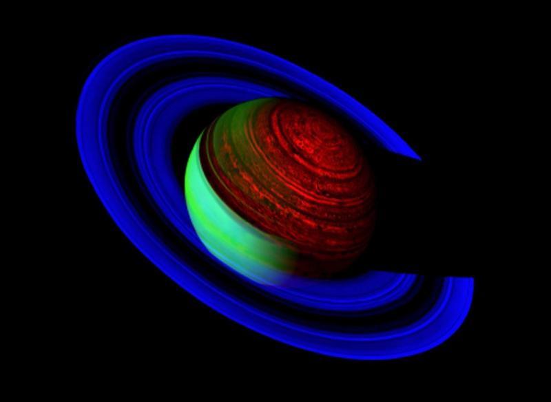 Satelliet vangt sterrenstof bij Saturnus