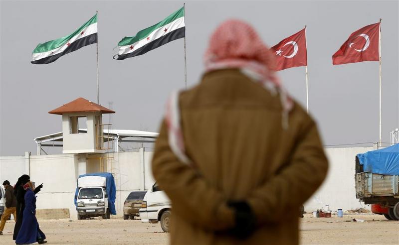 'Turkse grenswacht takelt vluchtelingen toe'